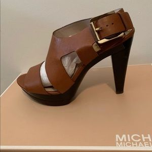 New Michael Kors brown heels